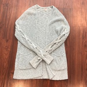 Mossimo light gray knitted cardigan
